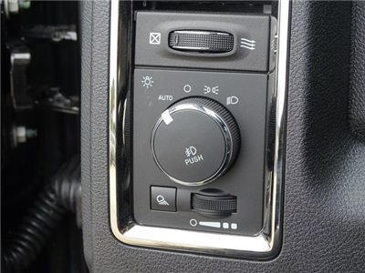 2018 Ram 3500 Crew Cab DRW, Pickup #180635 - photo 17