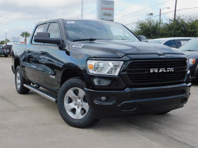2019 Ram 1500 Crew Cab 4x4,  Pickup #190165 - photo 3
