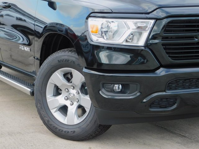 2019 Ram 1500 Crew Cab 4x4,  Pickup #190165 - photo 4