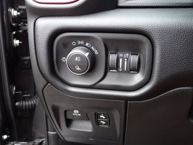 2019 Ram 1500 Crew Cab 4x2,  Pickup #190358 - photo 17