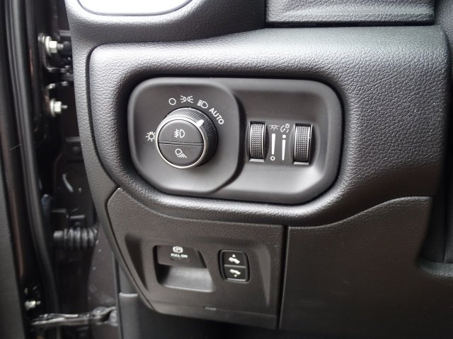 2019 Ram 1500 Crew Cab 4x2,  Pickup #190366 - photo 17