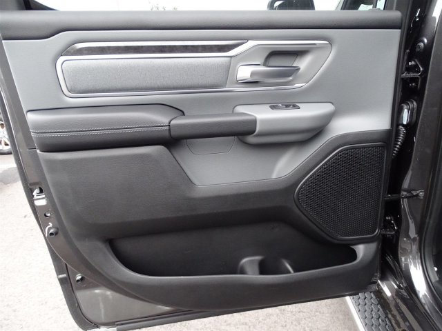 2019 Ram 1500 Crew Cab 4x2,  Pickup #190366 - photo 32