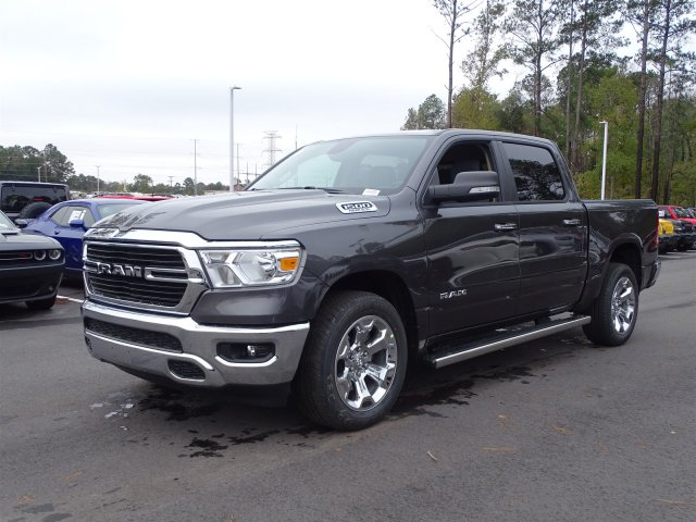 2019 Ram 1500 Crew Cab 4x2,  Pickup #190366 - photo 6