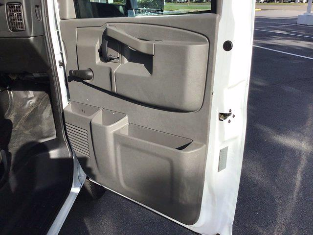 2017 Chevrolet Express 3500 DRW 4x2, Cutaway Van #M00720G - photo 18