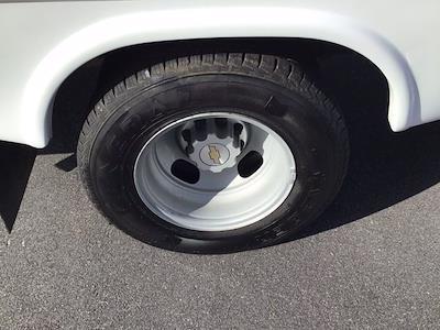 2017 Chevrolet Express 3500 DRW 4x2, Cutaway Van #M00720G - photo 11