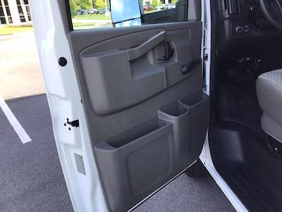 2017 Chevrolet Express 3500 DRW 4x2, Cutaway Van #M00720G - photo 17