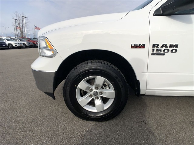 2019 Ram 1500 Crew Cab 4x4, Pickup #R19100 - photo 10