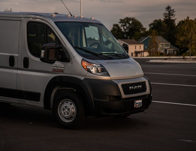2019 ProMaster 1500 Standard Roof FWD,  Empty Cargo Van #R19192 - photo 4