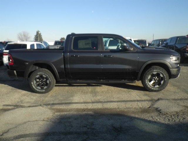 2019 Ram 1500 Crew Cab 4x4,  Pickup #19-D8049 - photo 3