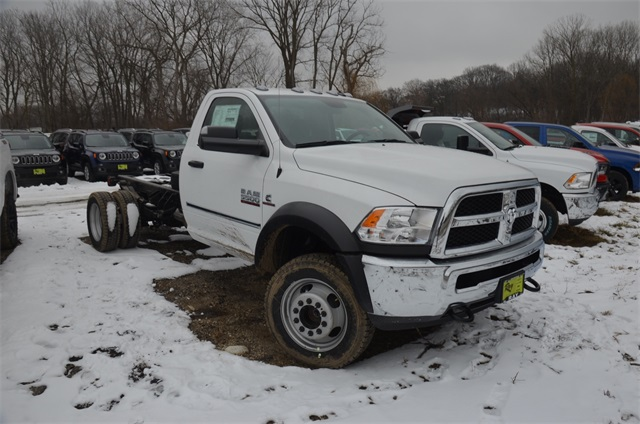 2018 Ram 5500 Regular Cab DRW 4x4,  Cab Chassis #R1642 - photo 4