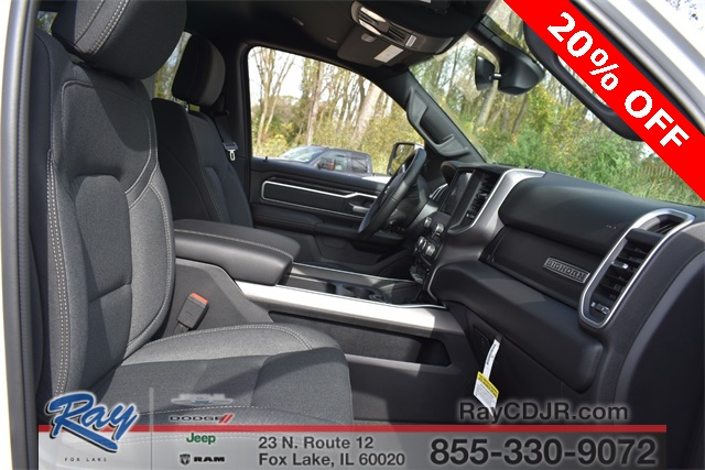 2020 Ram 1500 Crew Cab 4x4, Pickup #R1795 - photo 15
