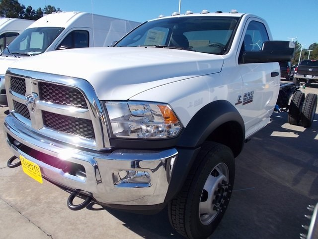 2018 Ram 5500 Regular Cab DRW, Cab Chassis #118247 - photo 3