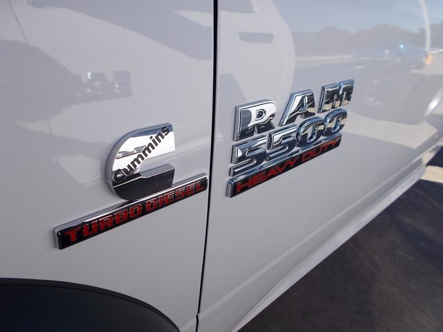 2018 Ram 5500 Regular Cab DRW, Cab Chassis #118247 - photo 4