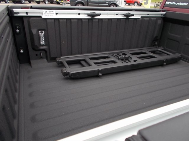 2018 Ram 1500 Crew Cab 4x4,  Pickup #120782 - photo 9
