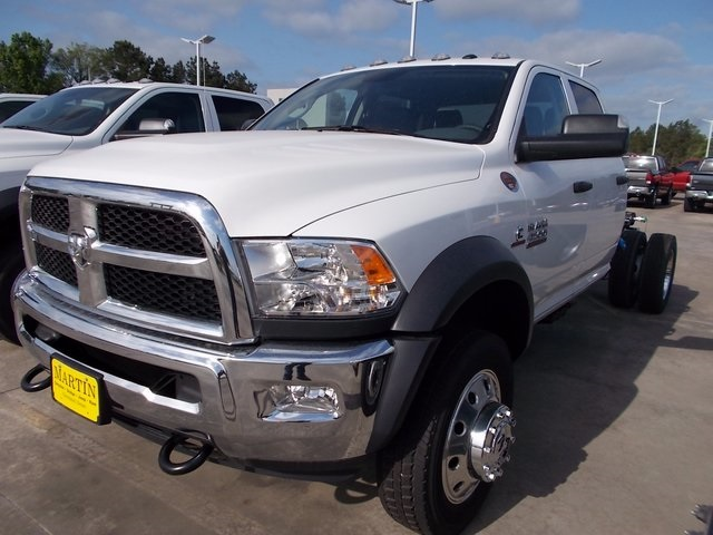 2018 Ram 4500 Crew Cab DRW, Cab Chassis #207303 - photo 3