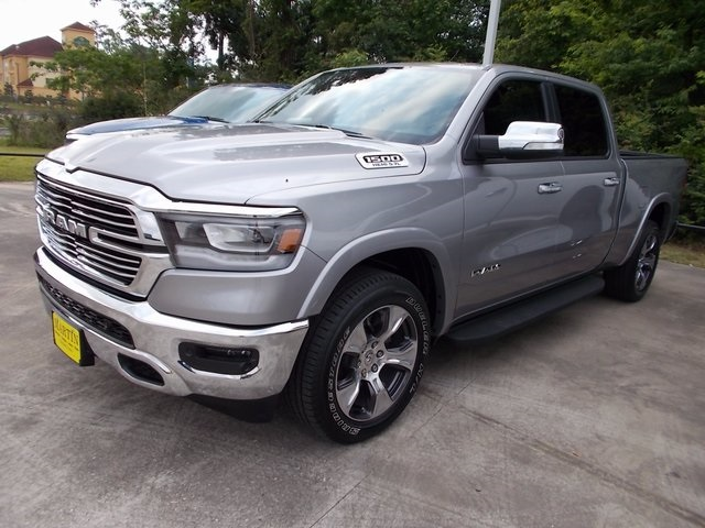 2019 Ram 1500 Crew Cab 4x4,  Pickup #506231 - photo 3