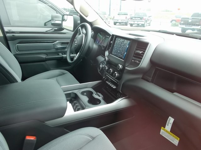 2019 Ram 1500 Crew Cab 4x2,  Pickup #548468 - photo 10