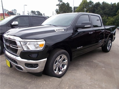 2019 Ram 1500 Crew Cab 4x2,  Pickup #562779 - photo 3