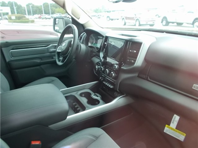 2019 Ram 1500 Crew Cab 4x2,  Pickup #562779 - photo 9
