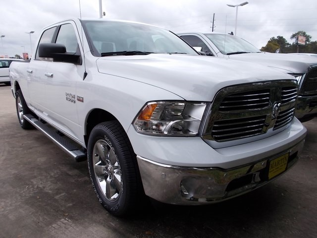 2017 Ram 1500 Crew Cab Pickup #570539 - photo 3