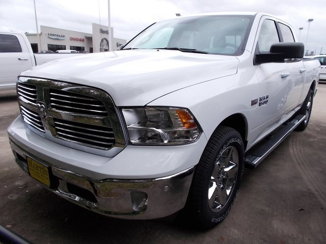 2017 Ram 1500 Crew Cab Pickup #570539 - photo 4