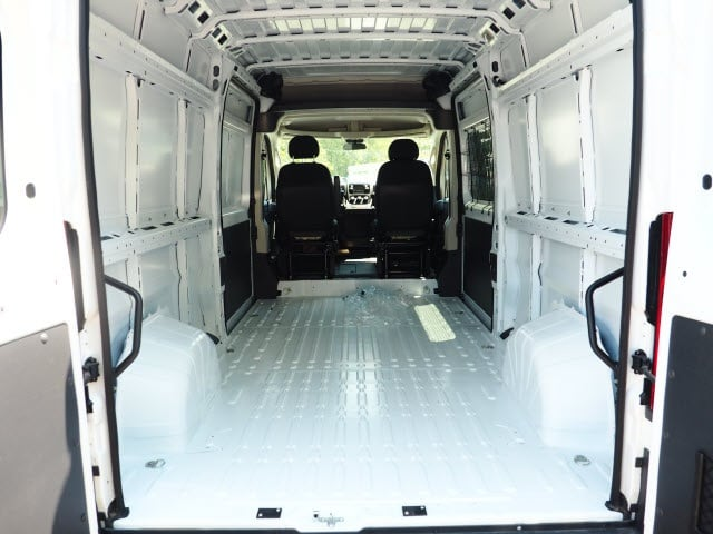2018 ProMaster 2500 High Roof 4x2,  Empty Cargo Van #129353 - photo 2