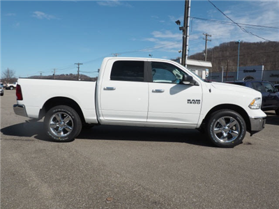 2018 Ram 1500 Crew Cab 4x4, Pickup #227807 - photo 3