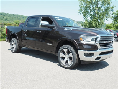 2019 Ram 1500 Crew Cab 4x4, Pickup #525890 - photo 1