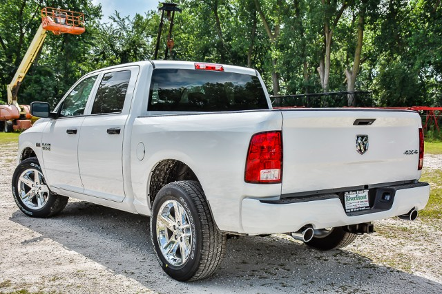 2017 Ram 1500 Crew Cab 4x4, Pickup #171329 - photo 6