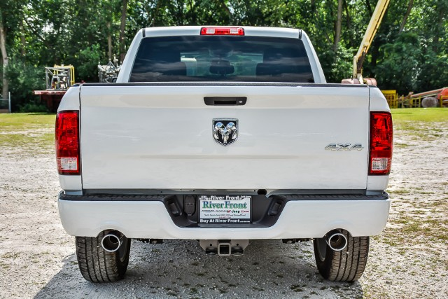 2017 Ram 1500 Crew Cab 4x4, Pickup #171329 - photo 7