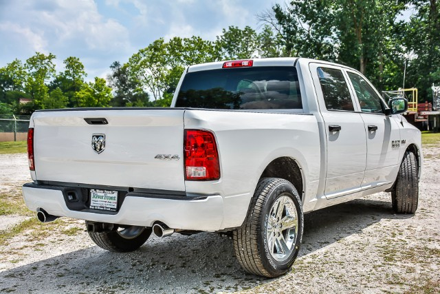 2017 Ram 1500 Crew Cab 4x4, Pickup #171329 - photo 2