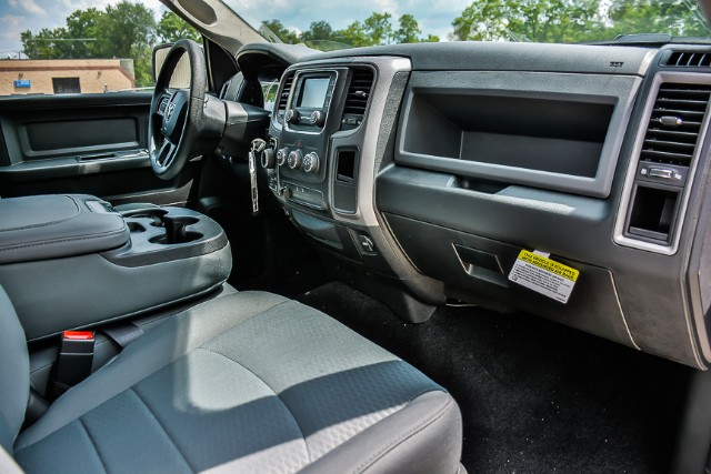 2017 Ram 1500 Crew Cab 4x4, Pickup #171329 - photo 9
