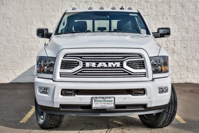 2018 Ram 2500 Crew Cab 4x4 Pickup #18038 - photo 3