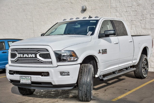 2018 Ram 2500 Crew Cab 4x4 Pickup #18038 - photo 4