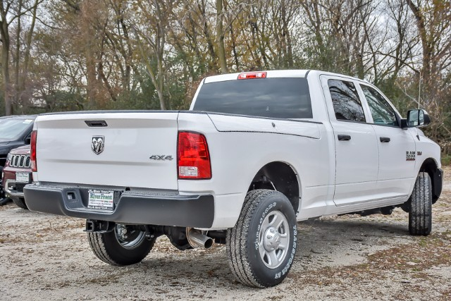 2018 Ram 3500 Crew Cab 4x4, Pickup #18084 - photo 2