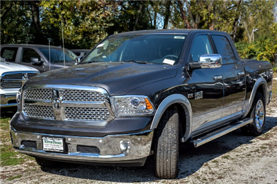 2018 Ram 1500 Crew Cab 4x4 Pickup #18087 - photo 4
