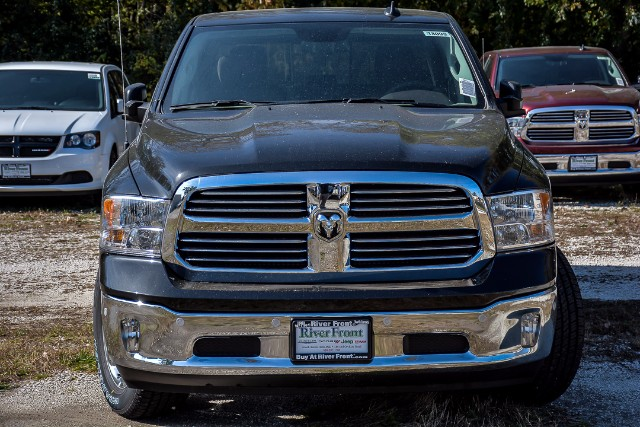 2018 Ram 1500 Crew Cab 4x4 Pickup #18099 - photo 3