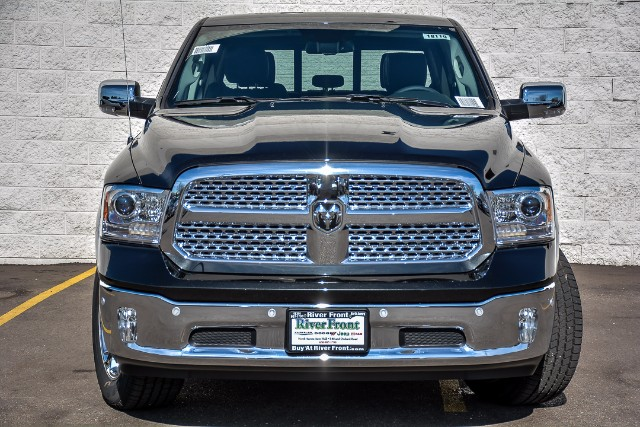 2018 Ram 1500 Crew Cab 4x4 Pickup #18110 - photo 3