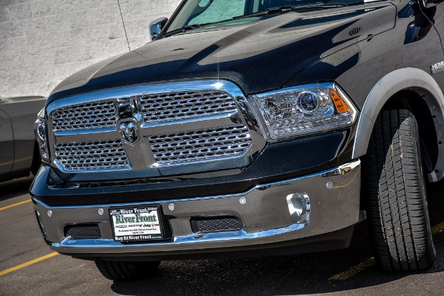 2018 Ram 1500 Crew Cab 4x4 Pickup #18110 - photo 5
