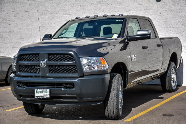 2018 Ram 3500 Crew Cab 4x4, Pickup #18124 - photo 4