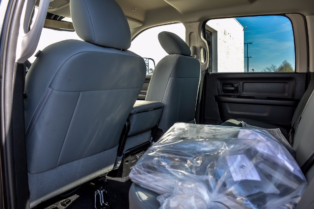 2018 Ram 3500 Crew Cab 4x4, Pickup #18124 - photo 17