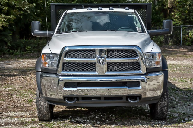 2018 Ram 5500 Regular Cab DRW 4x2,  Morgan MHP Heavy Duty Platform Body #181476 - photo 3