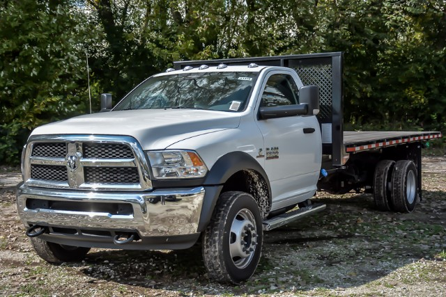 2018 Ram 5500 Regular Cab DRW 4x2,  Morgan Platform Body #181476 - photo 4