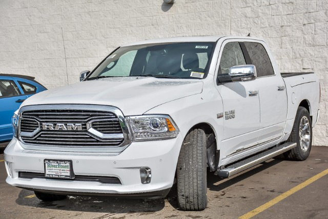 2018 Ram 1500 Crew Cab 4x4 Pickup #18179 - photo 4