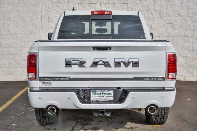2018 Ram 1500 Crew Cab 4x4 Pickup #18179 - photo 6