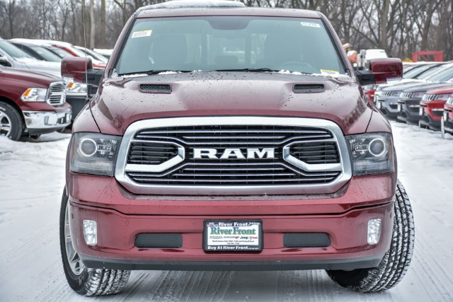 2018 Ram 1500 Crew Cab 4x4 Pickup #18470 - photo 6