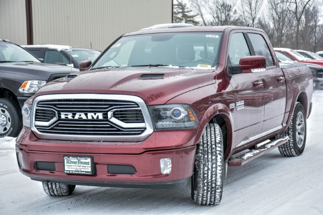 2018 Ram 1500 Crew Cab 4x4 Pickup #18470 - photo 8
