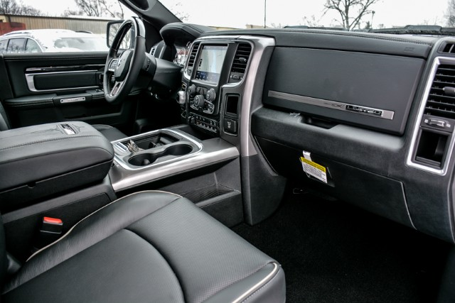 2018 Ram 1500 Crew Cab 4x4 Pickup #18473 - photo 19