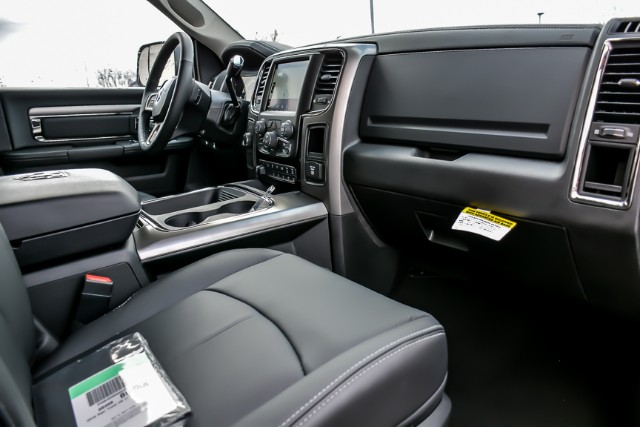 2018 Ram 2500 Crew Cab 4x4, Pickup #18921 - photo 17