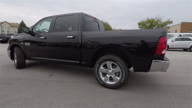 2018 Ram 1500 Crew Cab 4x4 Pickup #D4439 - photo 3